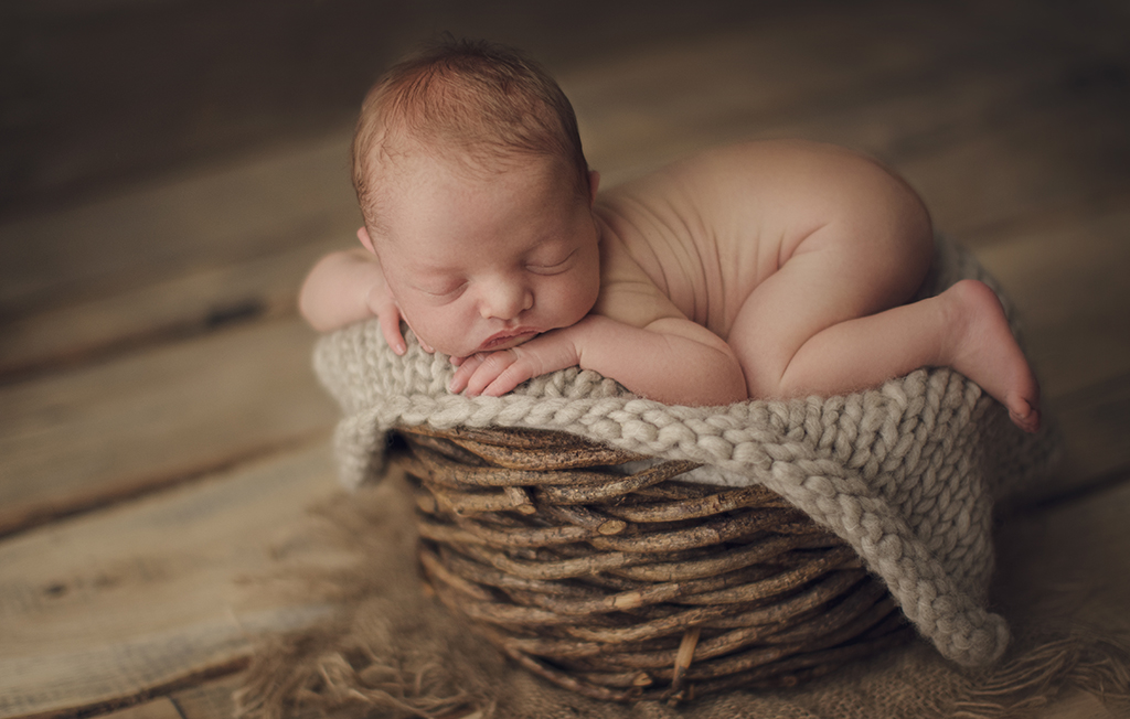 capatured by eef poseren baby newborn katwijk