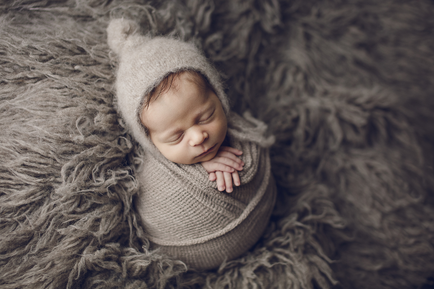 Baby ingewikkeld captured by eef fotograaf newbornsessie