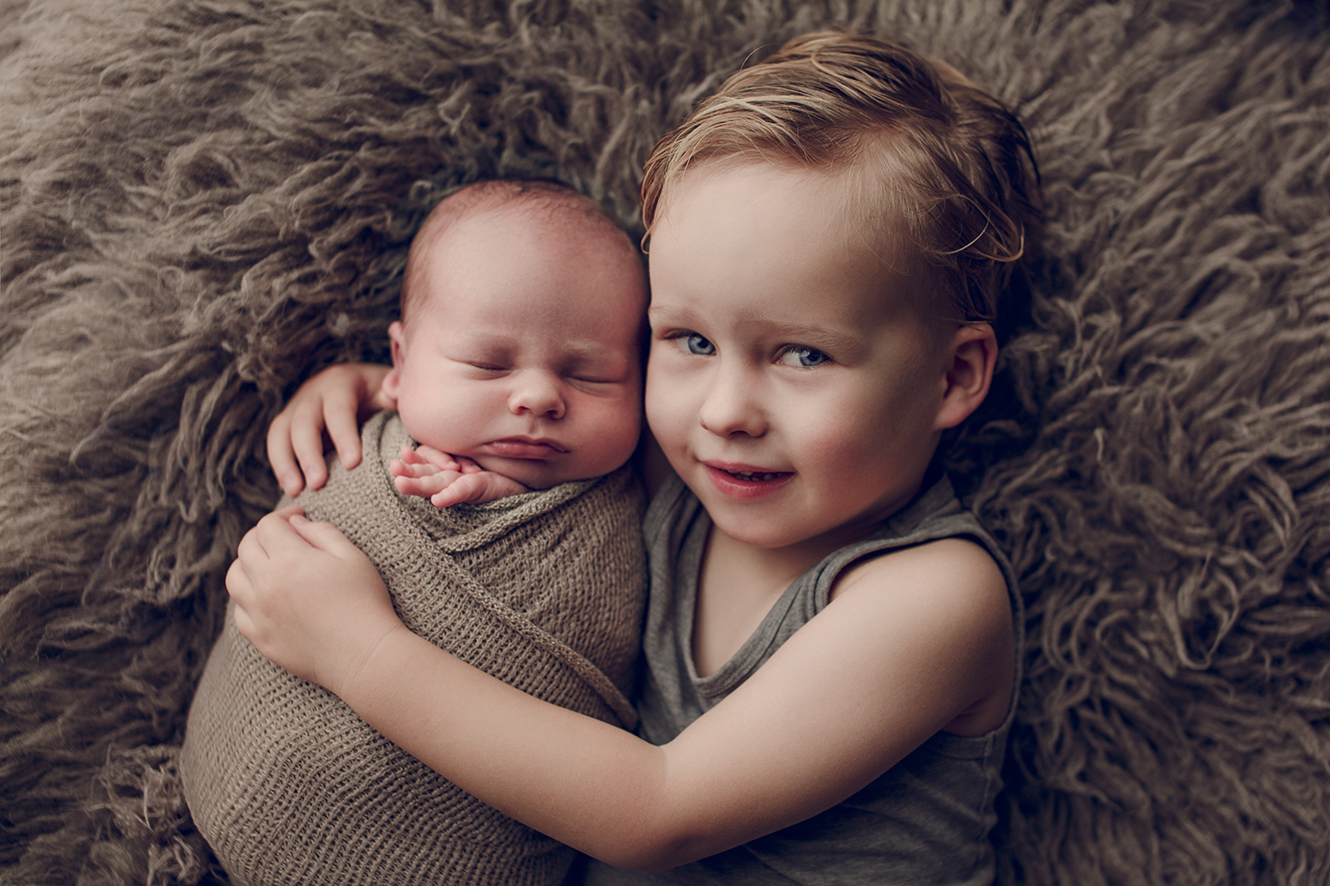 broertjes babyfotograaf newborn captured by eef